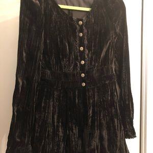 Black velvet tip or jacket. Almost new!